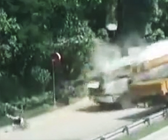 トラッククレーン事故
