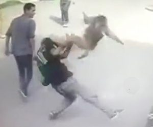 サルが人間を襲う