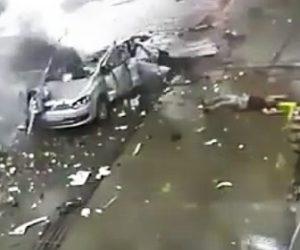 車が大爆発