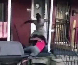 おじさんと女性が喧嘩