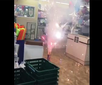 店内で花火
