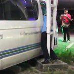 【閲覧注意動画】柱とバンに挟まれバンのドライバーが死亡してしまう