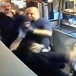【動画】ナイフ持った武装強盗 VS レストラン従業員6名 従業員が椅子で殴りかかり…