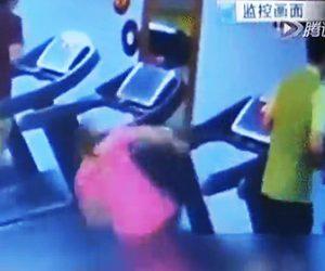 トレッドミルで倒れる女性