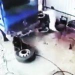 【動画】トラックタイヤを整備している作業員に悲劇が起きてしまう