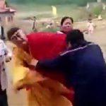 【動画】僧侶が寄付を拒否され訪問者に殴りかかる