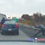 【動画】スピード違反の男を警察官2人が取り押さえようとするが激しく抵抗され銃撃戦になる