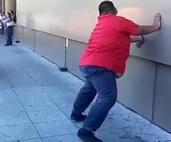 太った男性のダンス