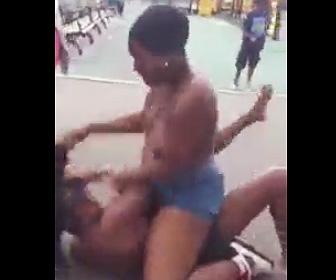 女2人の喧嘩