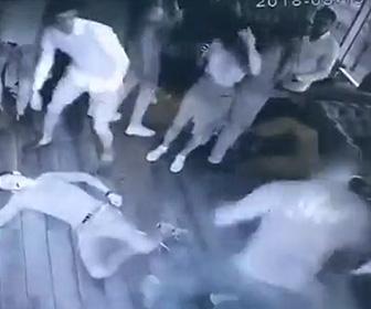 ロシアのクラブで喧嘩
