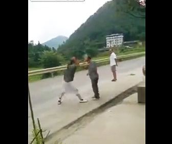 岩で殴りノックアウト