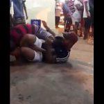 【閲覧注意動画】男2人がストリートファイト。関節技(オモプラータ)で腕をへし折る衝撃映像
