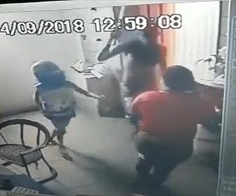 子供武装強盗