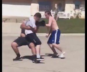 2人VS1人の喧嘩