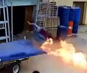 ガスボンベが爆発
