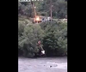救助中のクレーンが倒れる