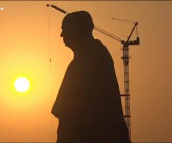 インドで世界一高い像が完成