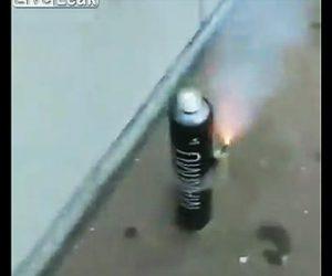スプレー缶花火が大爆発