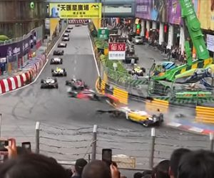 マカオ市街地で行われるマカオGPで衝撃的な事故が発生