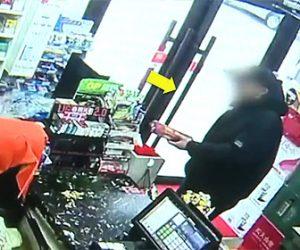 【動画】スーパーマーケットで男がタバコを偽物のタバコと一瞬ですり替える