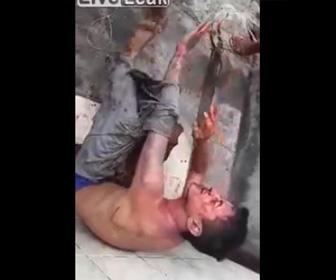 【動画】ブラジルスラム街で泥棒が捕まると恐ろしい目に遭う