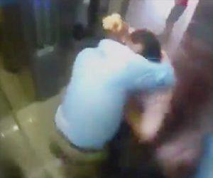 【動画】エレベーターで隣人同士が喧嘩。激しい取っ組み合いから殴りまくる