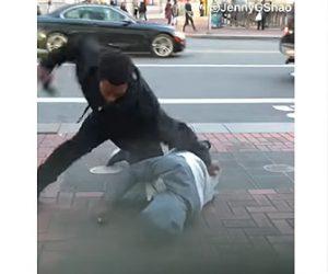 【動画】ホームレス2人の喧嘩がヤバすぎる。倒れた男性に激しい暴行