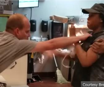 【動画】マクドナルドでストローをめぐり女性店員に掴みかかる男