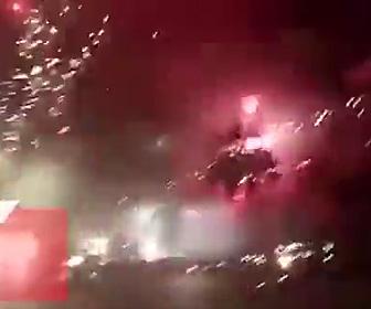 【動画】インドネシアの花火工場が爆発。襲いかかる花火から必死に逃げる人達