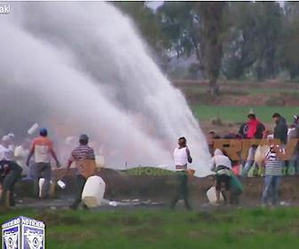 【動画】石油を盗もうとするが石油パイプライン爆発してしまい66人死亡
