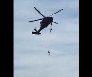 【動画】兵士がペリコプターからロープ降下するが失敗して落下してしまう