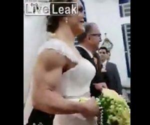 【動画】結婚式でバージンロードを歩く新婦の筋肉がヤバすぎる!