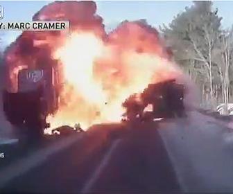 【動画】ジープが反対車線のトラックに突っ込み炎上しながら突っ込んで来る衝撃事故