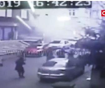 【動画】8階建てのビルが突然崩壊してしまう衝撃映像