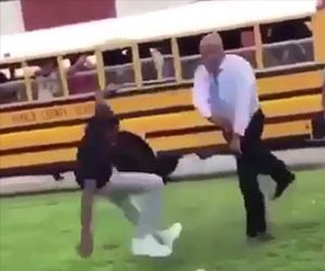 【動画】学生の喧嘩を止める校長が強い。生徒をぶん投げる校長