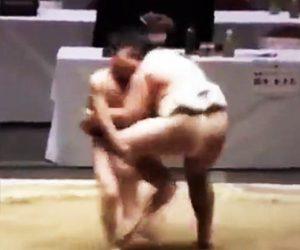 【動画】痩せた小さな少年と巨漢少年の相撲が面白い