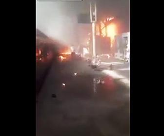 【動画】エジプトで列車が終点の壁に激突炎上。20名以上が死亡する大惨事