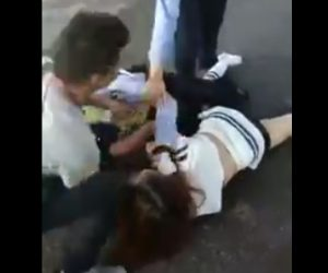 【動画】婦人警官と女が激しい殴り合いになる衝撃映像