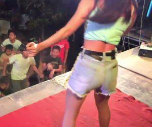 【動画】セクシー美女ダンサーに釘付けのおじさん
