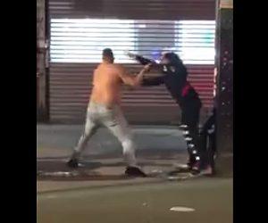 【動画】大男にロン毛の男性が果敢に殴りかかるが…