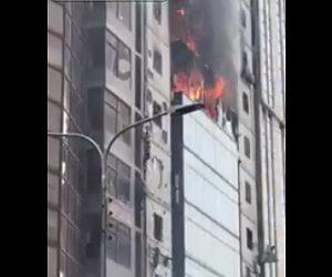 【閲覧注意動画】高層ビルで火災が発生。次々と人が落下し25人死亡する衝撃映像