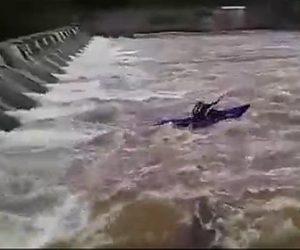 【動画】ダムでカヤックに乗る男性が水流に飲み込まれ溺れてしまう衝撃映像