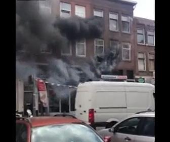 【動画】火事で炎から逃げ3階の窓から必死に飛び降りる男性