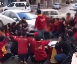 【動画】道で集まっているサポーター達に車が突っ込んでしまう衝撃事故映像