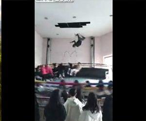 【動画】回転アトラクションで係員が宙返りする衝撃映像