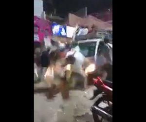 【閲覧注意動画】パレードで大勢が歩く道にトラックが突っ込んでしまう衝撃事故映像
