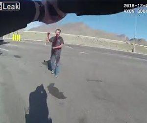 【動画】ナイフを持った血まみれの男が警察官に向かって行き銃で撃たれてしまう衝撃映像