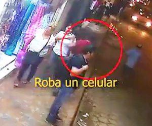 【動画】携帯電話を奪い走って逃げる泥棒。車の運転手が泥棒に気付き…