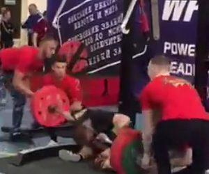 【動画】パワーリフティングの大会で男性がスクワットしようとするが足の骨が折れてしまう