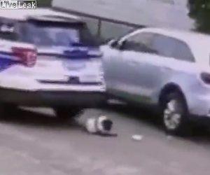 【動画】警察車両が幼児に気付かず轢いてしまう衝撃事故映像